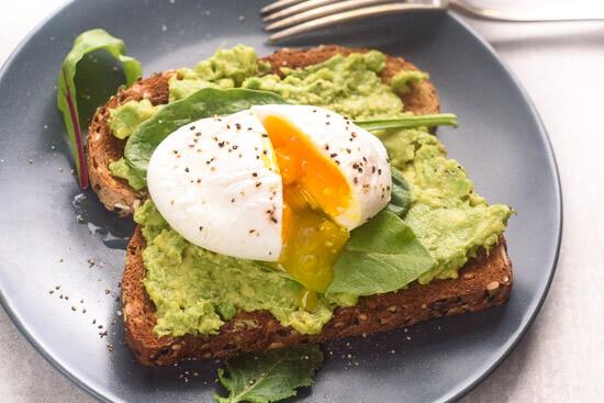 poached-egg-and-avocado-toast-horizontal