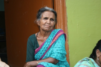 Naga-Bai-65-years-homeworker-–-sewer-2